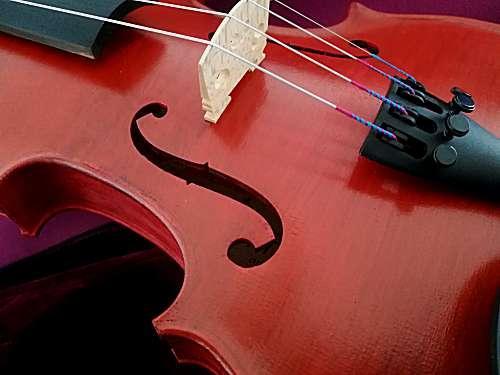 violon rouge entier