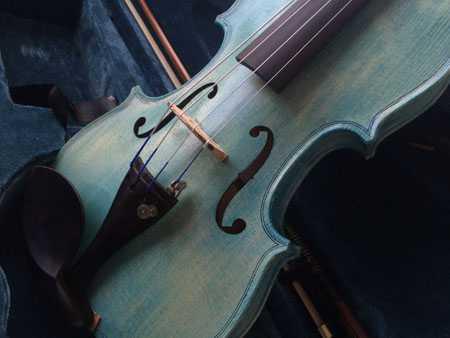 violon sylvicole brut teinté turquoise
